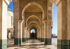 Καζαμπλάνκα στο Μαρόκο Μουσουλμανικό τέμενος Χασάν ΙΙ στοά arcade Στοκ φωτογραφίες με δικαίωμα ελεύθερης χρήσης