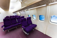 Καθίσματα αεροσκαφών puple Στοκ φωτογραφίες με δικαίωμα ελεύθερης χρήσης