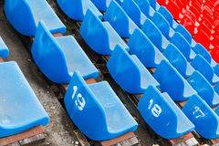Καθίσματα γηπέδου ποδοσφαίρου Καθίσματα σταδίων ποδοσφαίρου Στοκ Φωτογραφία