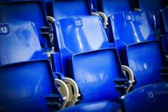 Καθίσματα σε ένα στάδιο ποδοσφαίρου Στοκ Εικόνες
