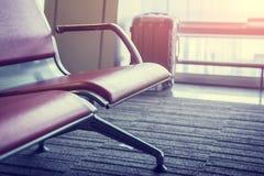 Καθίσματα στο σαλόνι αερολιμένων Στοκ Φωτογραφίες