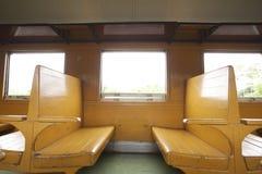 Καθίσματα τραίνων Στοκ φωτογραφία με δικαίωμα ελεύθερης χρήσης