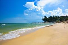 Καθαρή άμμος παραλιών θάλασσας στοκ εικόνα