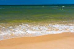 Καθαρή άμμος παραλιών θάλασσας στοκ εικόνες