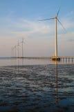 Καθαρή ενέργεια, εγκαταστάσεις αιολικής ενέργειας Στοκ Εικόνα