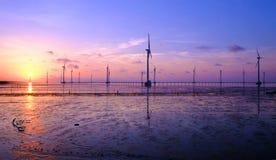 Καθαρή ενέργεια, εγκαταστάσεις αιολικής ενέργειας Στοκ Εικόνες