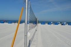 καθαρή πετοσφαίριση άμμου φοινικών παραλιών Στοκ Φωτογραφίες