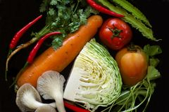 Καθαρίζοντας λαχανικό Στοκ φωτογραφία με δικαίωμα ελεύθερης χρήσης