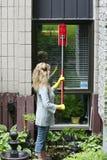 καθαρίζοντας γυναίκα πα&r Στοκ Φωτογραφία
