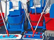 καθαρίζοντας εξοπλισμό&sig Στοκ Φωτογραφία