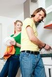 καθαρίζοντας πιάτα Στοκ φωτογραφίες με δικαίωμα ελεύθερης χρήσης
