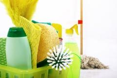 καθαρίζοντας προϊόντα Στοκ φωτογραφία με δικαίωμα ελεύθερης χρήσης