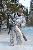 Καθαρίζοντας σκι κυνηγών Στοκ φωτογραφία με δικαίωμα ελεύθερης χρήσης