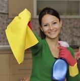 καθαρίζοντας σπίτι Στοκ φωτογραφία με δικαίωμα ελεύθερης χρήσης
