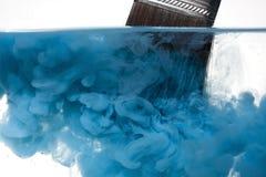 καθαρίζοντας χρώμα βουρ&tau Στοκ φωτογραφία με δικαίωμα ελεύθερης χρήσης