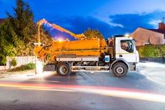 Καθαρίζοντας όχημα λυμάτων Στοκ εικόνες με δικαίωμα ελεύθερης χρήσης