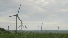 Καθαρίστε και ανανεώσιμη ενέργεια, αιολική ενέργεια, στρόβιλος, ανεμόμυλος, ενεργειακή παραγωγή φιλμ μικρού μήκους
