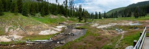 Καθαρίστε τις ανοίξεις νερού, εθνικό πάρκο Yellowstone στοκ φωτογραφία