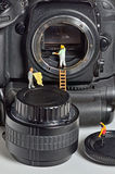 Καθαρισμός αισθητήρων καμερών στοκ εικόνα με δικαίωμα ελεύθερης χρήσης