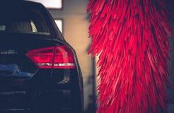 Καθαρισμός αυτοκινήτων πλυσίματος αυτοκινήτων βουρτσών Στοκ εικόνες με δικαίωμα ελεύθερης χρήσης