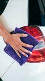 Καθαρισμός αυτοκινήτων Στοκ εικόνες με δικαίωμα ελεύθερης χρήσης