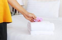 Καθαρισμός σε ένα δωμάτιο ξενοδοχείου Στοκ Φωτογραφίες