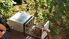 Καθαρισμός της μονάδας παροχής ηλεκτρικού ρεύματος υπολογιστών από το ρύπο απόθεμα βίντεο
