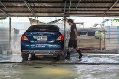 Καθαρισμός του αυτοκινήτου Στοκ εικόνα με δικαίωμα ελεύθερης χρήσης