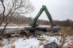 Καθαρισμός του ποταμού Pekhorka Στοκ εικόνα με δικαίωμα ελεύθερης χρήσης