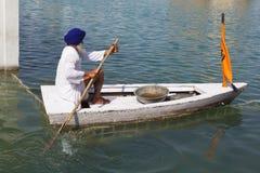 Καθαριστής λιμνών Amritsar Στοκ φωτογραφίες με δικαίωμα ελεύθερης χρήσης