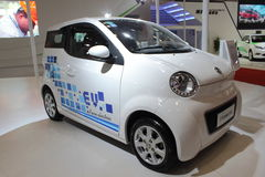Καθαρό ηλεκτρικό αυτοκίνητο Dongfeng E30L Στοκ εικόνες με δικαίωμα ελεύθερης χρήσης