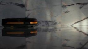 Καθαρό μαρμάρινο φως ημέρας μήκους σε πόδηα ρομπότ απόθεμα βίντεο