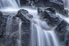 Καθαρό νερό από την πηγή Στοκ εικόνες με δικαίωμα ελεύθερης χρήσης