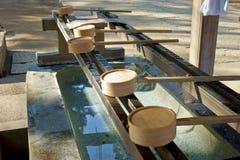 Καθαρό νερό στους περιβόλους Στοκ εικόνες με δικαίωμα ελεύθερης χρήσης