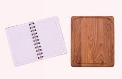 Καθαρό σημειωματάριο για τις επιλογές καταγραφής, συνταγή στο κόκκινο ελεγμένο ταρτάν τραπεζομάντιλων Στοκ Εικόνες