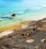 καθαρό ύδωρ βράχων ανασκόπησης στοκ φωτογραφία με δικαίωμα ελεύθερης χρήσης