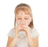 καθαρό ύδωρ γυαλιού παιδ&i Στοκ φωτογραφίες με δικαίωμα ελεύθερης χρήσης