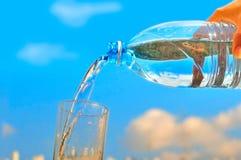 καθαρό ύδωρ μπουκαλιών Στοκ εικόνα με δικαίωμα ελεύθερης χρήσης