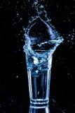 καθαρό ύδωρ παφλασμών Στοκ εικόνα με δικαίωμα ελεύθερης χρήσης