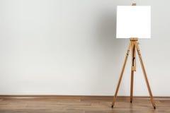 Καθαρό easel στοκ φωτογραφίες με δικαίωμα ελεύθερης χρήσης