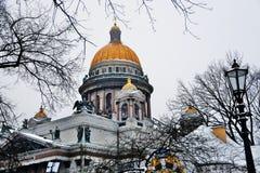 Καθεδρικός ναός Αγίου isaacs σε Άγιο Πετρούπολη, Ρωσία στοκ φωτογραφίες