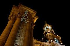 Καθεδρικός ναός βασιλικών Arequipa τη νύχτα Στοκ Εικόνες