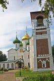Καθεδρικός ναός μεταμόρφωσης και πύργος κουδουνιών στο Σούζνταλ, Ρωσία Στοκ Εικόνες