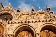 Καθεδρικός ναός της βασιλικής SAN Marco SAN Marco στην πλατεία SAN Marco στο ηλιοβασίλεμα, Βενετία Στοκ Εικόνες