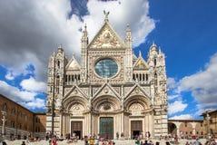 Καθεδρικός ναός της Σιένα σε μια ηλιόλουστη θερινή ημέρα, Τοσκάνη, Ιταλία Στοκ φωτογραφία με δικαίωμα ελεύθερης χρήσης