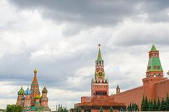 Καθεδρικός ναός του βασιλικού του ST ο ευλογημένος, πύργος Spassky και το μαυσωλείο στοκ φωτογραφία με δικαίωμα ελεύθερης χρήσης