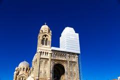 Καθεδρικός ναός του ταγματάρχη Αγίου Mary σε μια ηλιόλουστη ημέρα στη Μασσαλία, φράγκο στοκ φωτογραφία με δικαίωμα ελεύθερης χρήσης