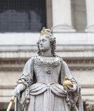 Καθεδρικός ναός του ST Paul δέκατου όγδοου αιώνα και άγαλμα της βασίλισσας Anne, Λονδίνο, Ηνωμένο Βασίλειο Στοκ Φωτογραφίες