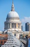 Καθεδρικός ναός του ST Paul και γέφυρα χιλιετίας Λονδίνο UK Στοκ Εικόνες