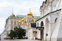 Καθεδρικοί ναοί και παλάτι της Μόσχας Κρεμλίνο Στοκ φωτογραφία με δικαίωμα ελεύθερης χρήσης